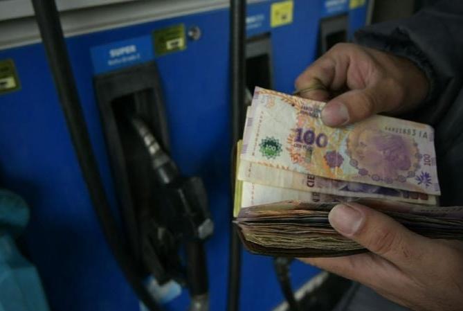 Desde hoy, YPF volvió a aumentar el precio de las naftas