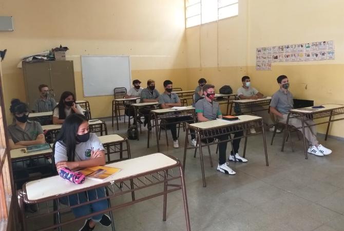 Salud espera un incremento de casos Covid por la vuelta a clases