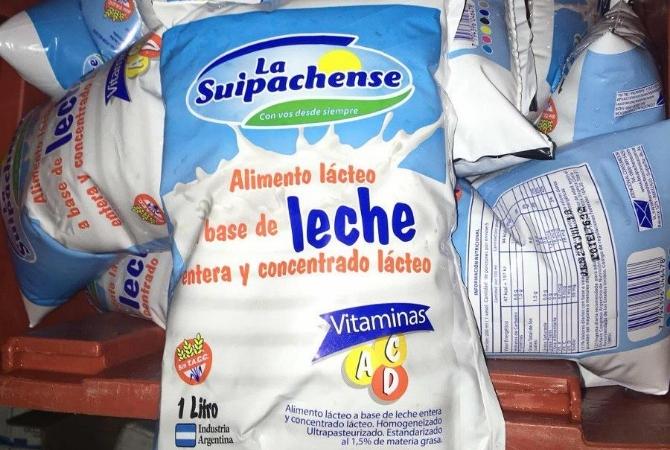 Por la crisis, venden leche rebajada con agua