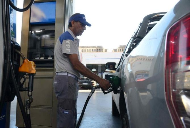 Para arrancar el 2021, YPF aumentó los combustibles un 2,9%