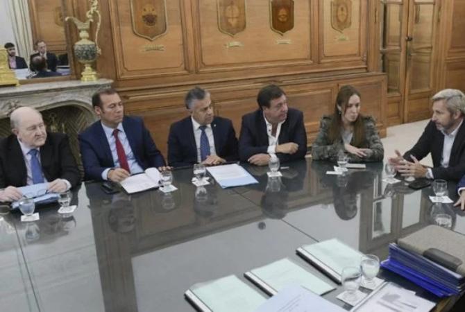 El gobernador de La Pampa se enojó y dijo: todos operan para Mendoza