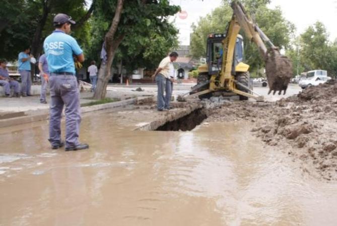 OSSE dejó en condiciones la cañería dañada por el terremoto