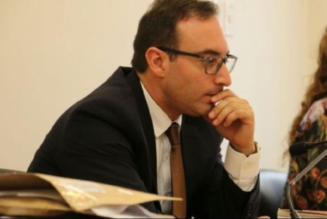 APRIETE CON PLANES: graves delitos le imputan a Peralta