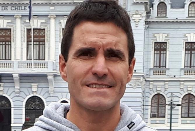Necochea: quién es Ezequiel Bermejo, el nadador de 43 años perdido en una competencia