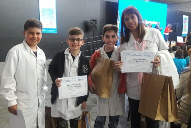 Una sana costumbre: alumnos sanjuaninos ganaron premio en robótica