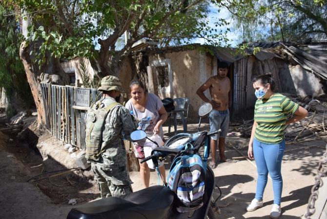El ejército asiste a los damnificados por el terremoto