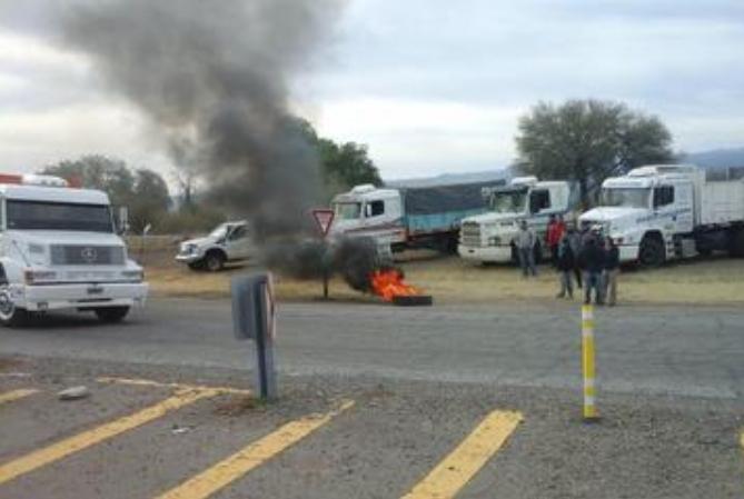 Protesta de camioneros en El Encón terminó con tiros y puñaladas