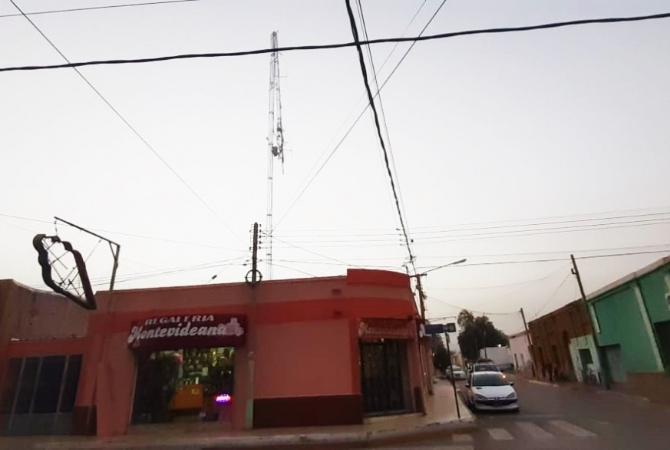 El viento sur tiró abajo la antena de una radio en Jáchal