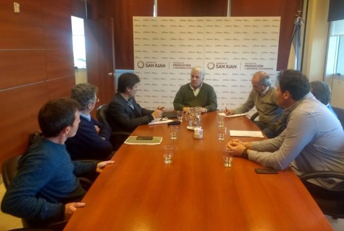 Díaz Cano recibió a mosteros y analizaron soluciones para la crisis
