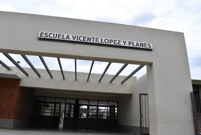 Inauguran obras de ampliación de la escuela Vicente López y Planes