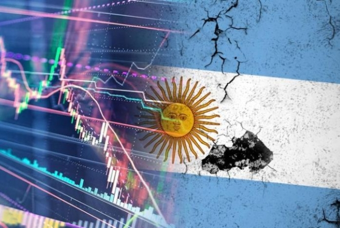 Incertidumbre por la deuda: el Riesgo País trepa 7% y se acerca a los 2.100 puntos