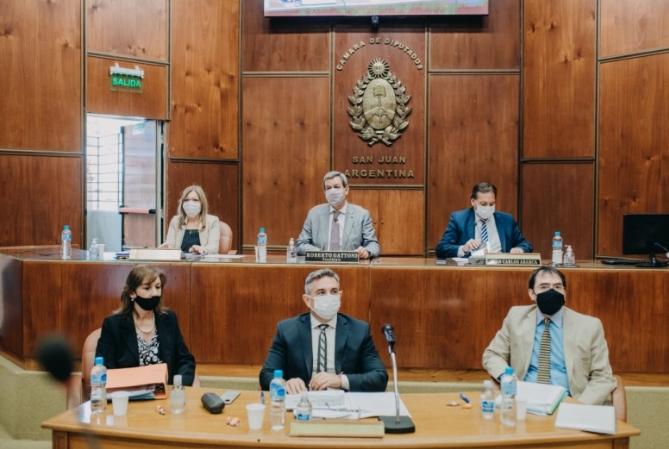 La ministra de Hacienda explicó en diputados el presupuesto 2021