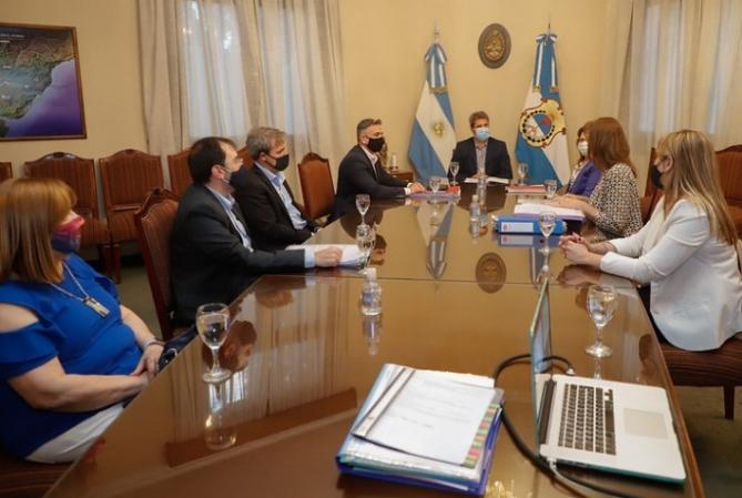 El equipo económico presentó al gobernador el presupuesto 2021
